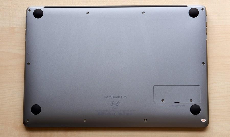 Chuwi HeroBook Pro - Bottom
